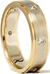 Mens 14K Gold Diamond Comfort Fit Wedding Ring
