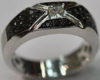 14kt White Gold Black & White Diamond Men's Ring