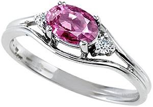 Tommaso Design 10k Gold Oval 6x4mm 3 stone Ring