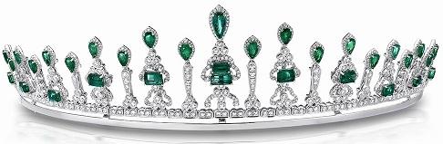 White Gold And Emerald Conquistadora